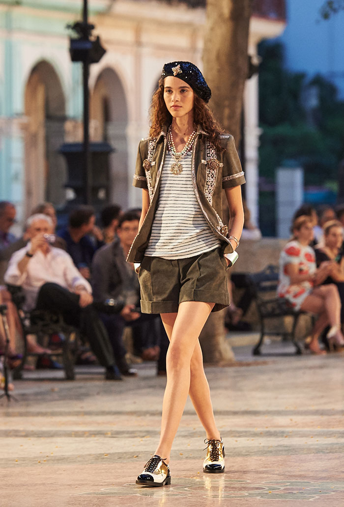 03_Cruise-2016-17-collection---Show-pictures-by-Olivier-Saillant---Look-21