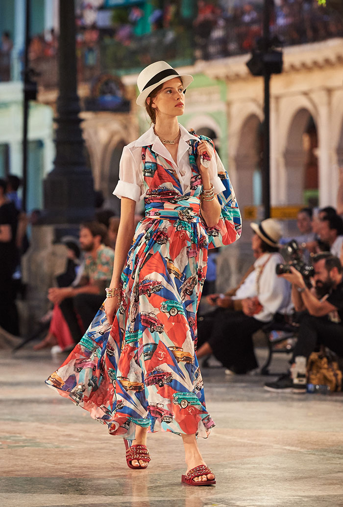 08_Cruise-2016-17-collection---Show-pictures-by-Olivier-Saillant---Look-71