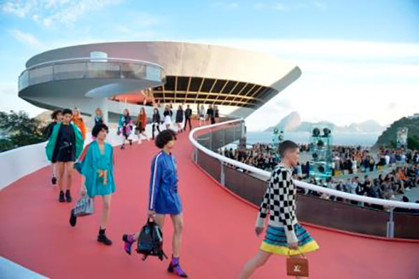 LOUIS VUITTON CRUCERO 2017_21