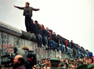 BERLIN-WALL-home